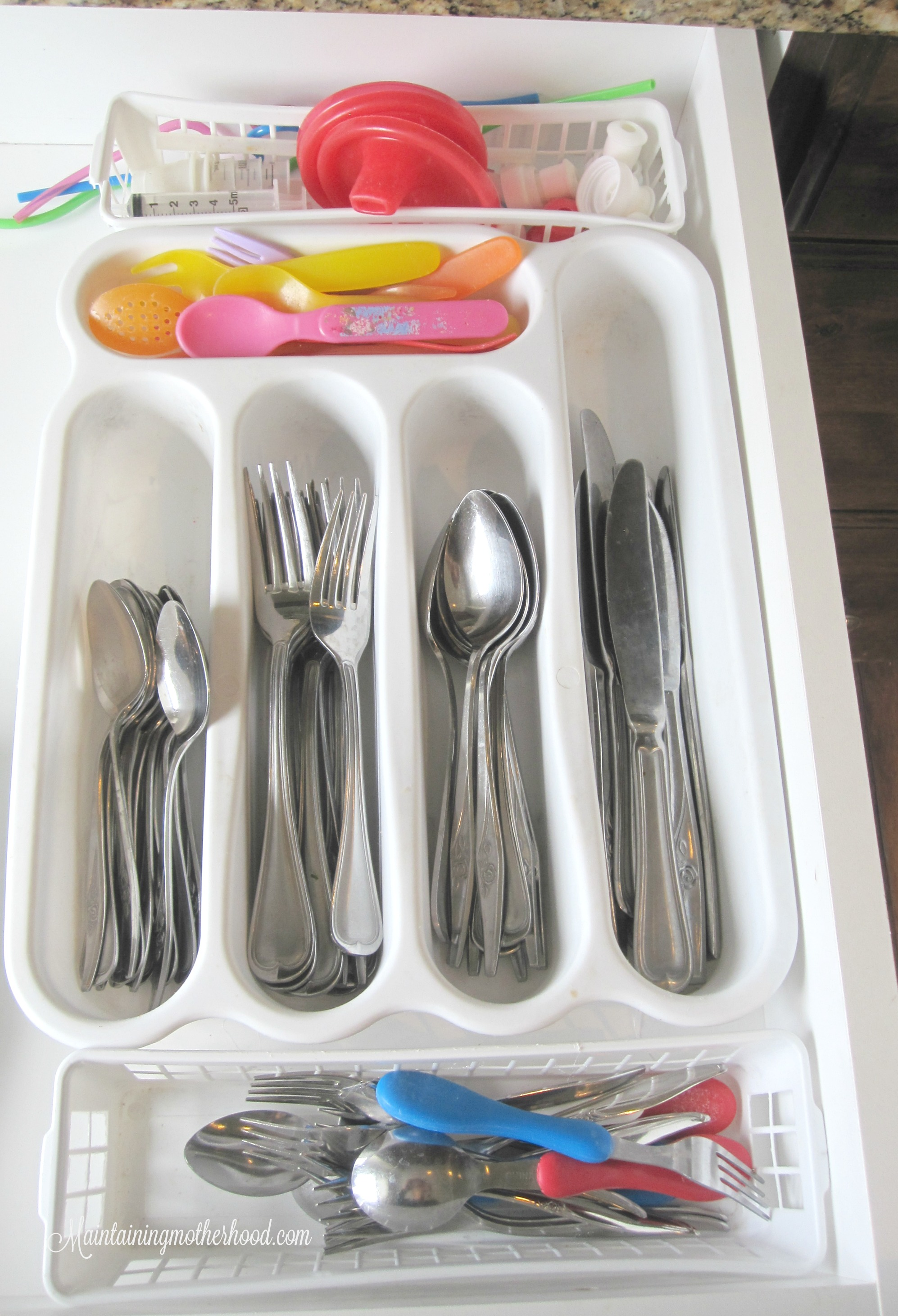 I have tried everything to keep kitchen drawers organized, and avoid things sliding around every time we shut the drawer. Who knew the answer was so simple!
