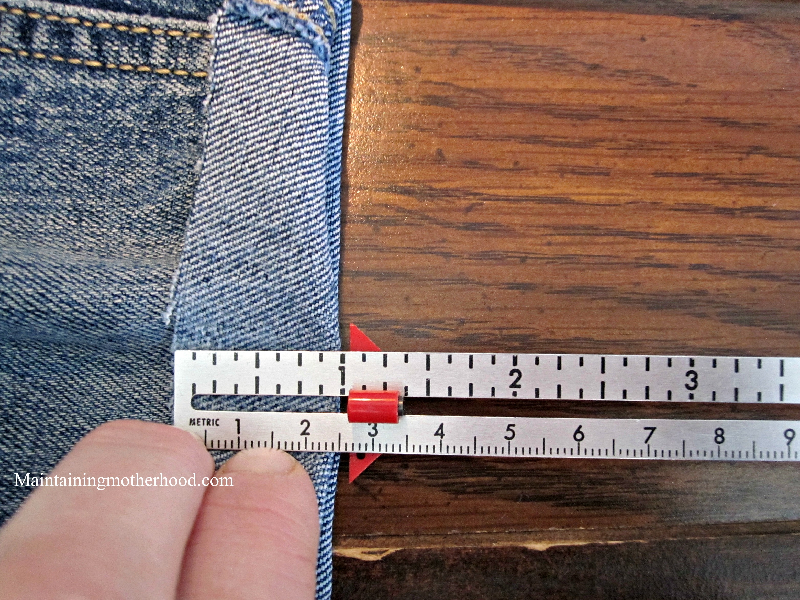 Looking for some comfortable and durable jean shorts? Why not use your favorite jeans with the worn out knee for some great DIY denim shorts?
